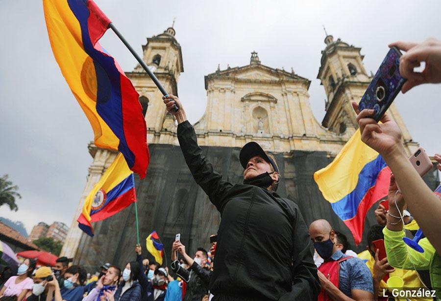 LAS CAUSAS, LOS CULPABLES Y LA SOLUCIÓN DE LA CRISIS
