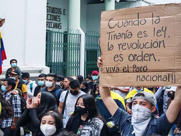 INDEPENDENCIA GRITA EL PUEBLO COLOMBIANO